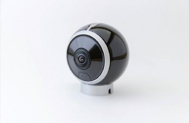 セルフィーもライブストリーミングも可能な360°カメラ「Allie  GO camera」、500ドルでリリース