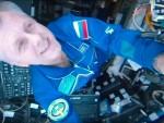 船内の宇宙飛行士