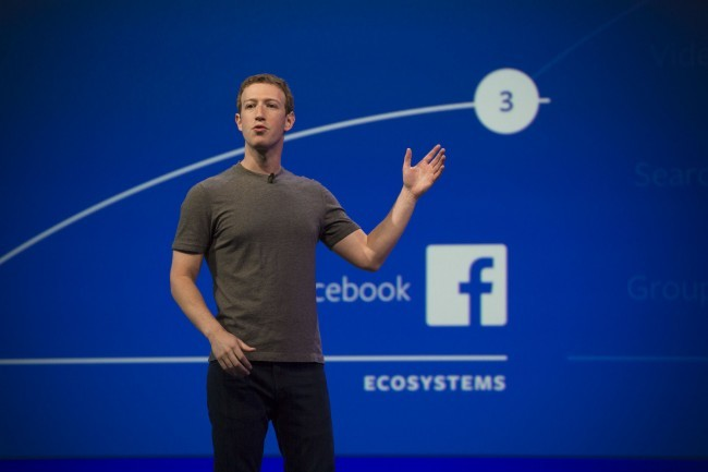 f8-facebook-mark-zuckerberg-product-0231-650x433