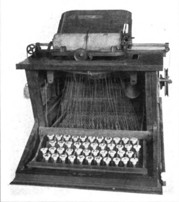QWERTY配列を採用した最古のタイプライター「ショールズ・アンド・グリデン・タイプ・ライター」