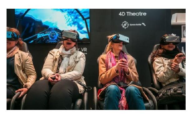 VR アトラクション (スウェイチェア)