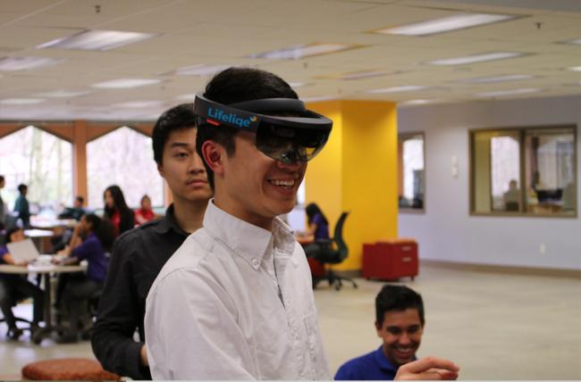Lifeliqe-Microsoft-HoloLens-Pilot_Renton-Prep1-1-1024x674