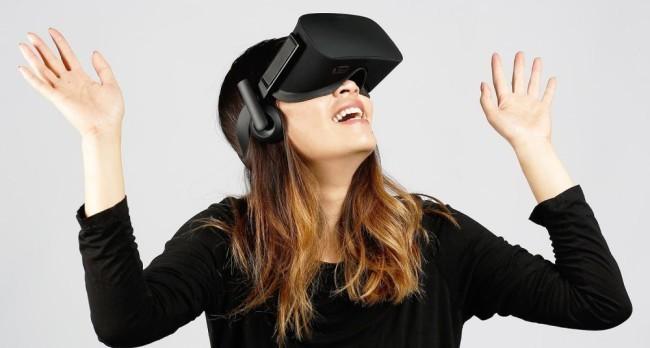 Oculus Riftを付けた女性