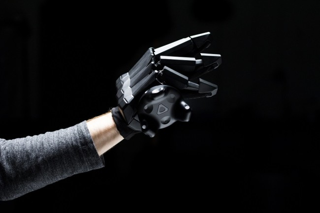 luv Gloves with vive tracker