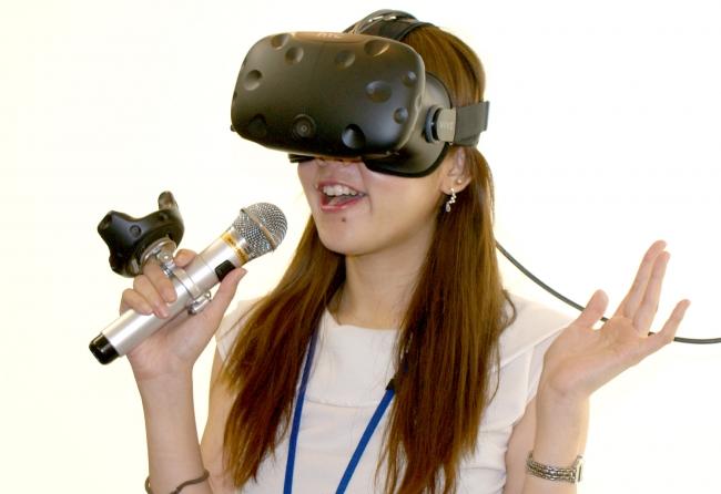 インタラクティブなVRをカラオケBOXで体験できる『ファンタジーVRステージプラス)』が新登場!
