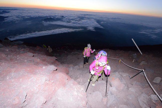 これまでの富士登山研修の様子