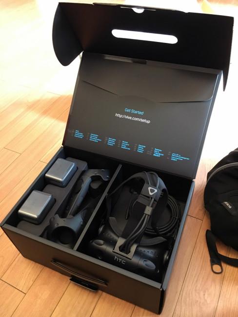 HTC Viveのパッケージ