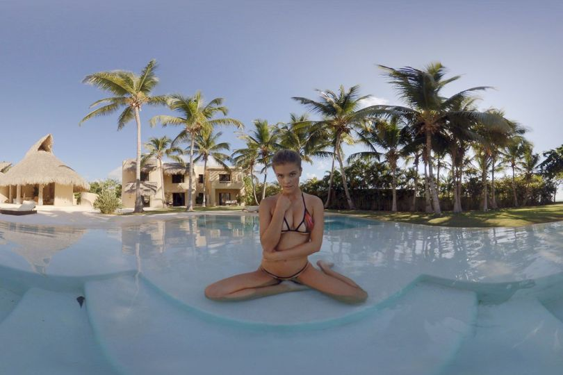 sports-illustrated-swimsuit-issue-VR