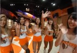 HOOTERS2