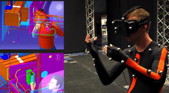 Oculus Riftを付けたロッキード・マーティンのエンジニア