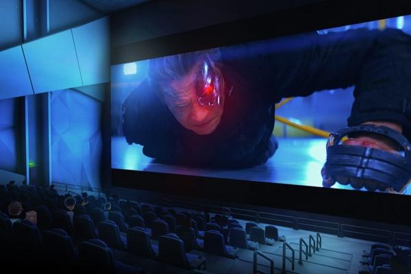 「VR Cinema」サービスの拡大へ、新機能も