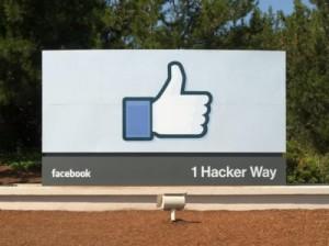 Facebookの看板