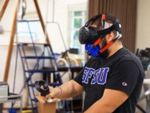 VRゲームの消費カロリーを測定する様子