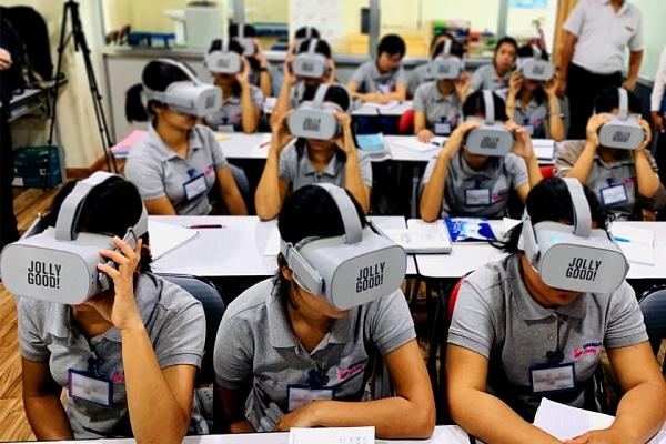 VRニュースイッキ見_外国人材介護教育VRサービス「CareVR」がアジア初ミャンマー政府認定送り出し機関で導入決定