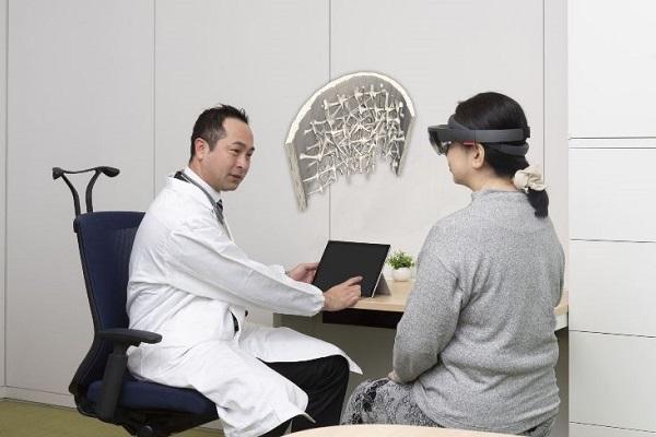 VRニュースイッキ見MRで医師と患者のコミュニケーションを支援