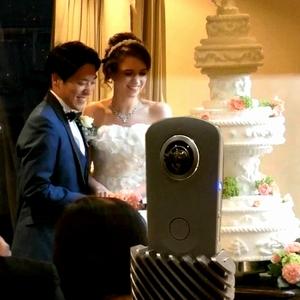 幸せの連鎖を世界中に発信!DEFanniversaryとSHOWROOMがコラボして実現したVR結婚式参加サポート