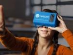 Nearpod VRのヘッドセットを付けた女性