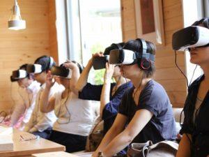 VRによる認知症体験の様子