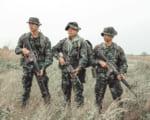 中国軍兵士がVRトレーニング