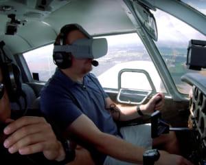 OculusGoを装着したまま飛行機を操縦!「操縦がより簡単、かつ正確になる」と米国企業が取り組む