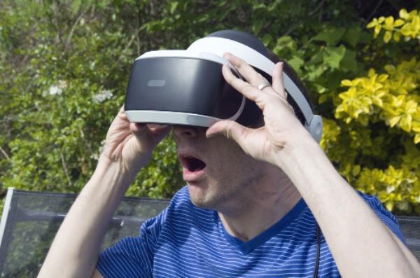 VR動画もおすすめ!