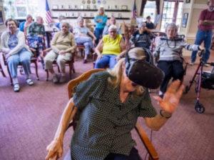 高齢者のために働くGamers Gift