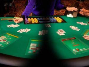 VRでカジノのテーブルに座る