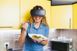 VRで食事も?!VRで味覚を再現するには?